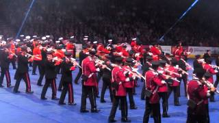 preview picture of video 'Belfast Tattoo 2014 - Massed Flutes Part 3'