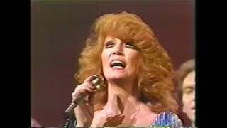 """Broken Lady"" GREAT Live Version by Dottie West with Larry Gatlin & the Gatlin Brothers"