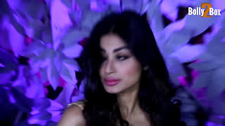 Mouni Roy Hot Deep Navel Exposing
