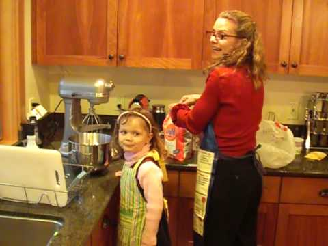Zoe and Julie make Hummingbird Cake