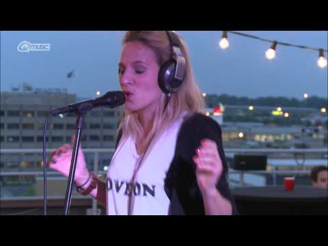 Krystl - Circles (live bij Kristel van Eijk) // Q-music
