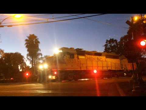 N 6th St & E Empire St Railroad Crossing Video 4