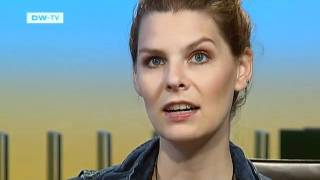 Our guest on 25.09.2011 Eva Briegel, Lead singer with the pop band Juli | Talking Germany