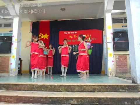Tiết mục văn nghệ lớp 8B Trường THCS xã Lâm Hải