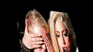 The BTW Ball In Paris: Fin Du Spectacle, Gaga Parle En Français Au Public, Avant MTN