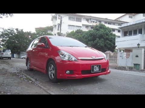 2004 Toyota Wish Start-Up, Full Vehicle Tour and Quick Drive