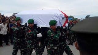 Tangis Keluarga Pecah Sambut Jenazah Praka Nasruddin Korban Baku Tembak dengan KKB
