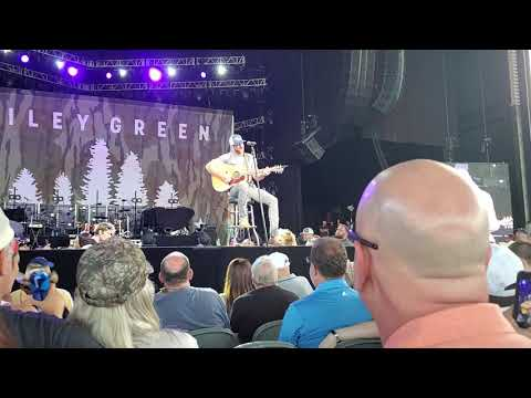 Riley Green performs I Wish Grandpas Never Died - Jiffy Lube Live 8/10/2019