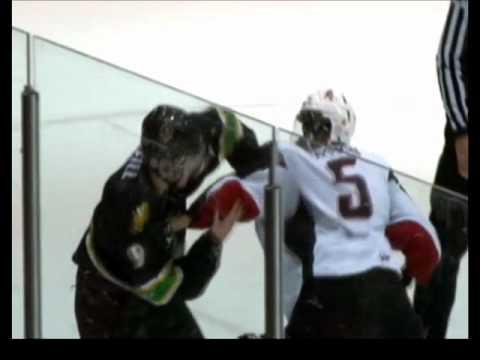 Travis Brown vs. Mark McNeill