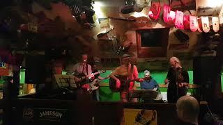 Video Make It Your Own, Lyndon Town