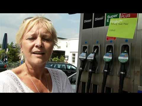 Der Brennstoffverbrauch schewrole das Feld das Benzin