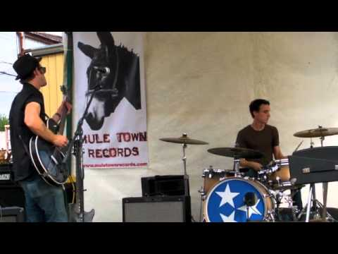 "The Famn Damn - ""S'far As Knoxville"" @ Southern Fried Festival 2010"