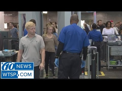 TSA workers on job without pay