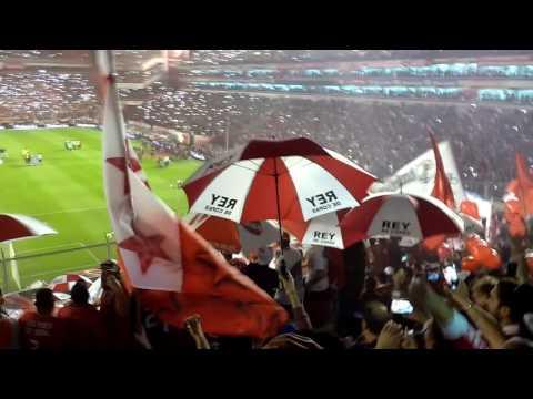 """""""Independiente 2 - Racing 0. EL RECIBIMIENTO"""" Barra: La Barra del Rojo • Club: Independiente"""