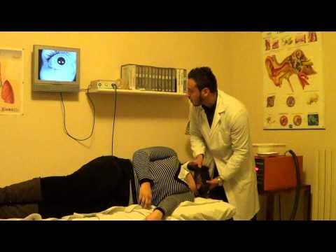 Dermatite di atopic su un trattamento del collo