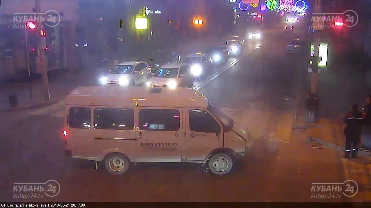 Пешеходу чудом не перебило ноги при ДТП в Краснодаре