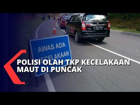 polisi olah tkp kecelakaan beruntun di jalur puncak yang tewaskan orang