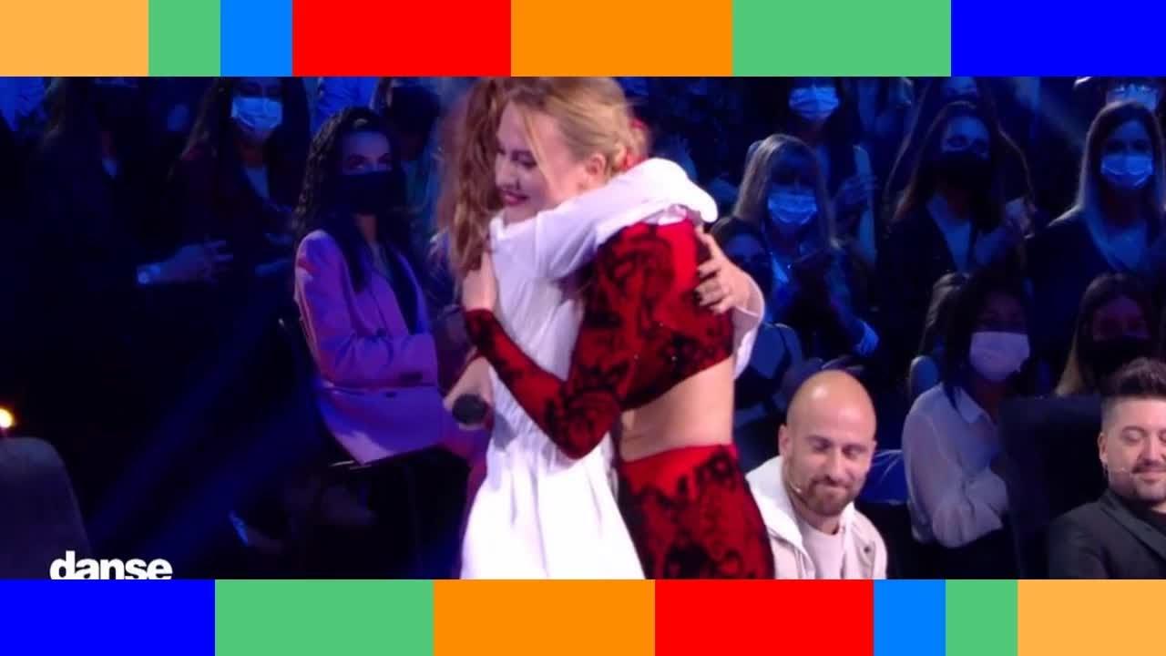 ✟  Aurélie Pons (Danse avec les stars) rend un bouleversant hommage à son papa : larmes et standing-