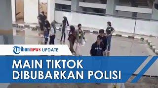 Detik-detik Kerumunan Remaja Main TikTok Dibubarkan Satpol PP, Ada yang Lari Sambil Pegang Tongsis