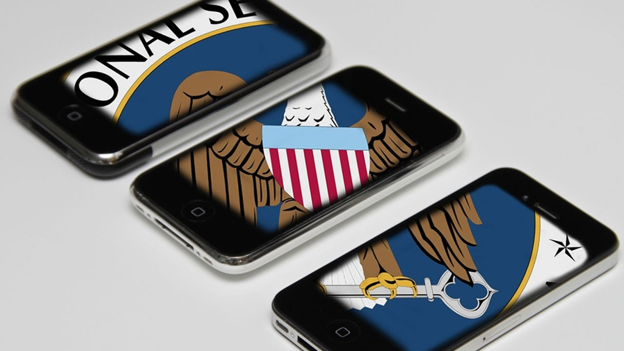 """Apple Says iPhone """"Backdoor"""" Risks All User's Security thumbnail"""
