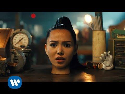 bella poarch build a b tch official music video