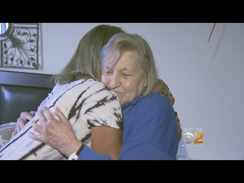 Observant Mail Carrier Saves Elderly Woman