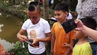 Anh Em Tam Mao Test Galaxy S10+ Bá Đạo - Dùng Cần Câu Thả Điện Thoại Xuống Nước Và Cái Kêt