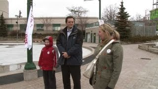 preview picture of video 'Autism Awareness Day Flag Raising in Barrie, Ontario'