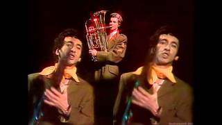 Jona Lewie - Stop The Cavalry (TopPop) (1980) (HD)