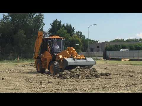 Image of VF Venieri Backhoe Loader Digging Dirt