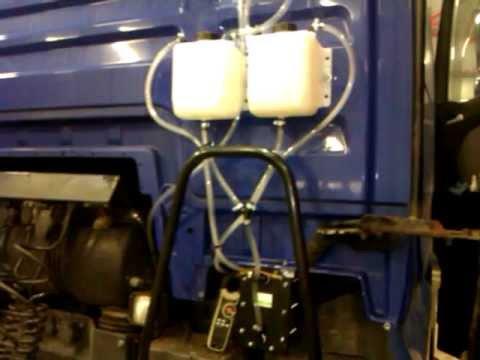 Mini- der Kanister für das Benzin zippo