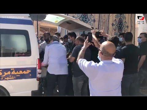 لحظة وصول جثمان محمود ياسين إلي مثواه الأخير