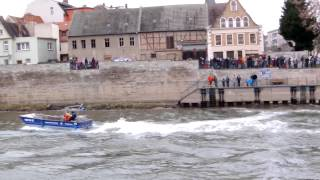 preview picture of video 'THW Boote in Bernburg Saale am 13.12.2014 HD Video'