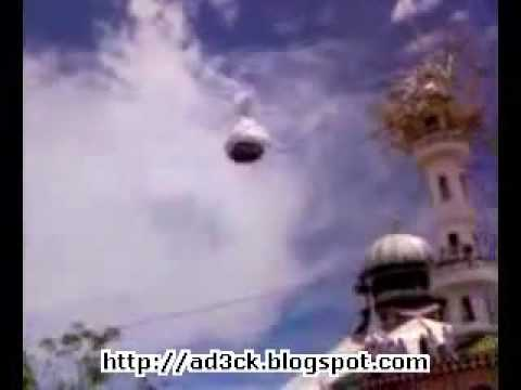 Dome Flying On Mosque's Roof In Indonesia - Miracle Of Islam