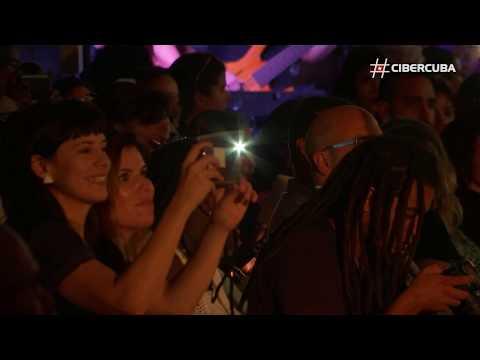 Casa de moda cubana Clandestina se une a Google para un desfile