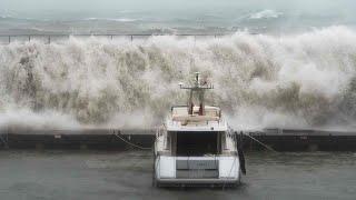 Storm Gloria: giant waves smash into Mallorca