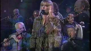 Marianne Faithfull - Love Is Teasin' (live feat. the Chieftains)