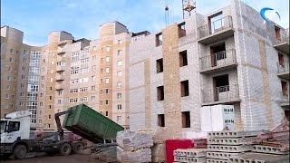 Сотрудники прокуратуры и трудовой инспекции посетили стройку на Маловишерской