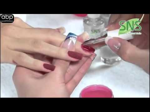 Le meilleur moyen du microorganisme végétal sur les ongles des mains