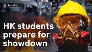 Hong Kong: Student protesters 'desperate' in standoff with police