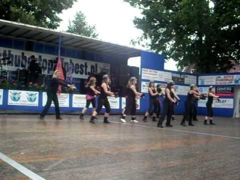 Dance4U Oploo Einddans 2010