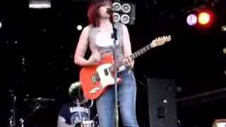 Charlote Hatherley at Glastonbury 2007 - Kim Wilde