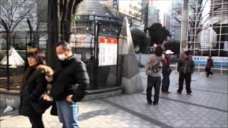 新宿アルタ前での一服.mp4