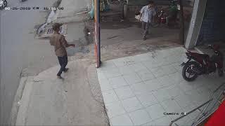 Trộm xe máy giữa ban ngày , Trích xuất từ Đầu ghi camera khách hàng ra