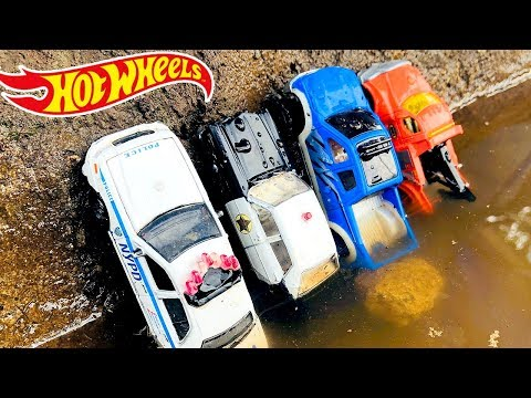 Coches Policías para Niños Rescatados en el Agua - Autos de Carreras de Juguetes