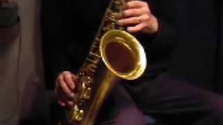 Ian Boyter's tenor sax jazz improvisation on ii-V-I