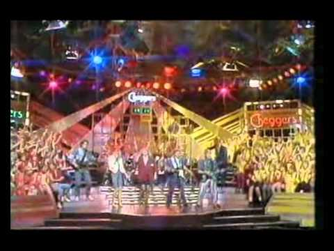 Bucks Fizz - Love the One You're With (ITV 1986)