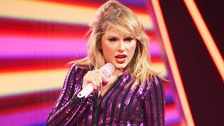 Was Taylor Swift Throwing Shade In 'Shake It Off' Performance?