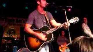 Chuck Wicks singing The Easy Part