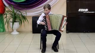 Александр Скляров исполняет р.н.п. Мужик пашенку пахал (обр. Д. Самойлов)